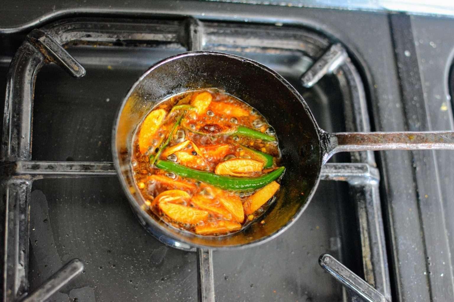 making-chicken-cholia-process-3